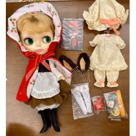 Petworks Momoko Doll Photo Post Card Set